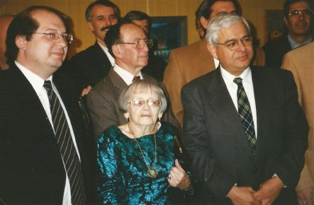 Berthe avec à gauche Mr Brotte député de l'Isère. A droite Michel Hannoun, maire de Voreppe. 1993