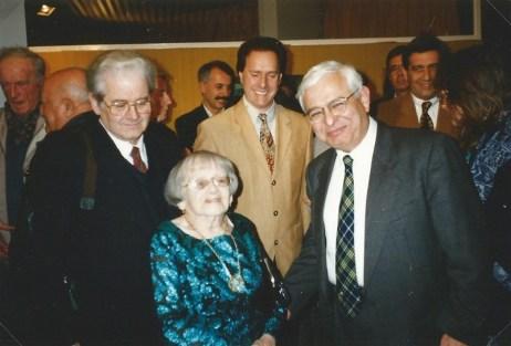 Berthe avec Marc Pessin, son fils, et Michel Hannoun, maire de Voreppe. 1993